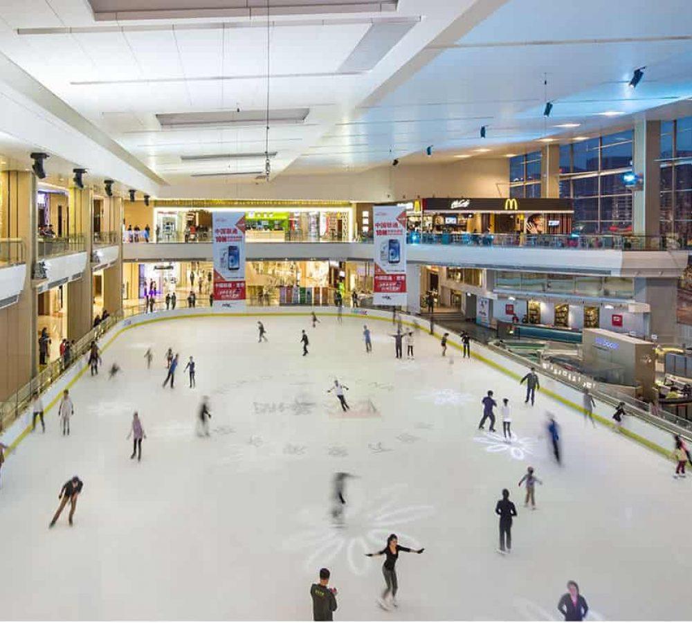 ice-skating-in-mixc-nanning-700-min